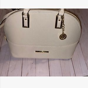classy Anne Klein purse in great condition